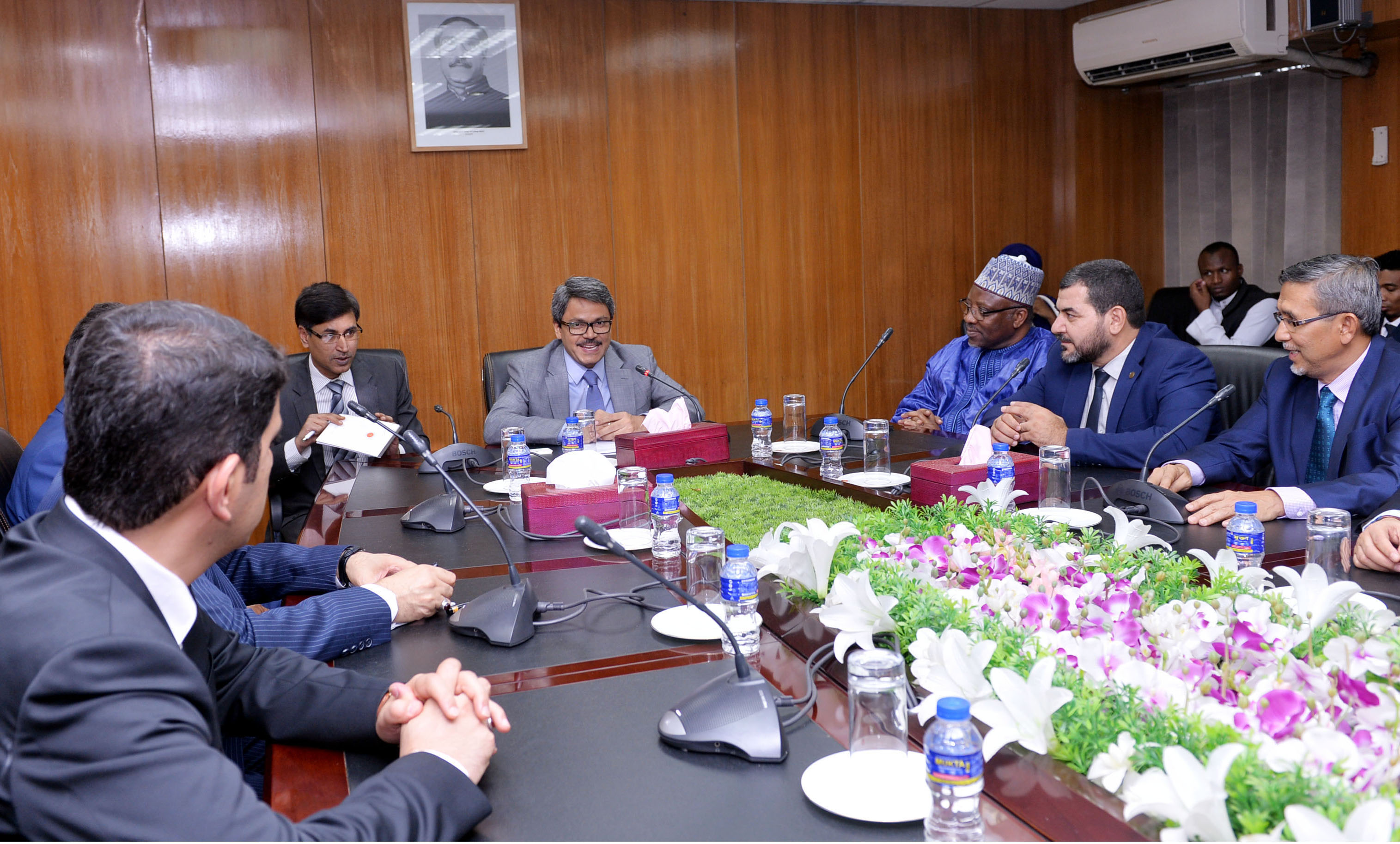 Dhaka seeks OIC's support over Rohingya issue