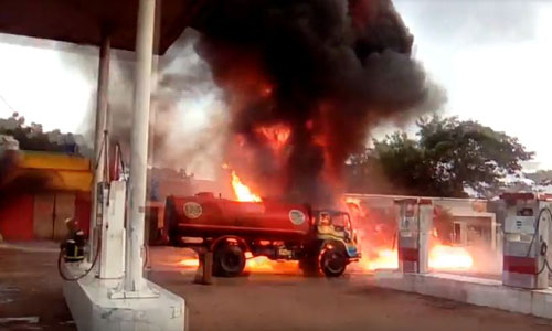 Tank lorry fire injures 5