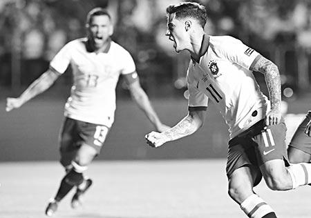 Coutinho brace helps Brazil forget Neymar in winning Copa start